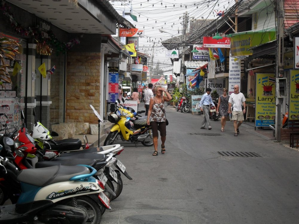 Street of Old Hau Hin 3.jpg